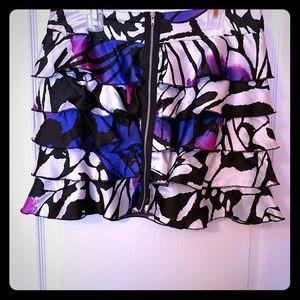 Cute patterned Bebe skirt